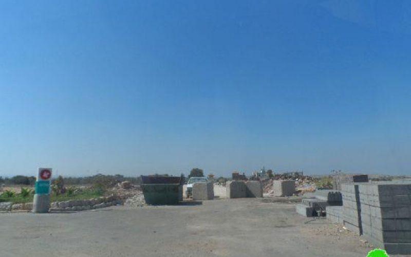 تحويل مركز للشرطة الأردنية قديم إلى استراحة ومحطة وقود إسرائيلية في قرية رنتيس, محافظة رام الله