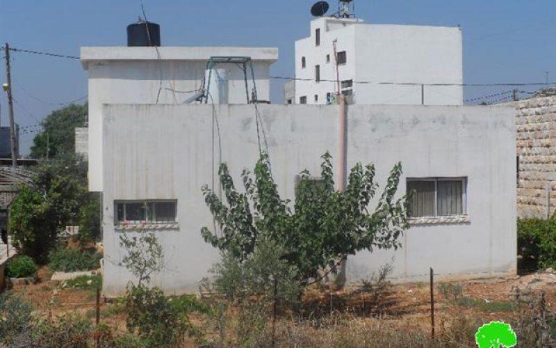إخطار أربع عائلات بوقف البناء لمنازلهم في بلدة عقربا  /محافظة نابلس