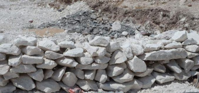 إخطار بهدم بئر مياه تملكه بلدية إذنا / محافظة الخليل