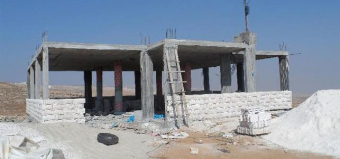 The occupation confiscates the construction materials for a mosque in Yatta