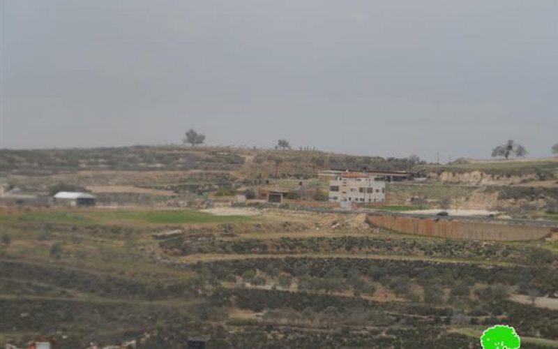 ما تسمى دائرة أراضي اسرائيل تعلن وضع اليد على 1300دونم من أراضي قرية جينصافوط في محافظة قلقيلية