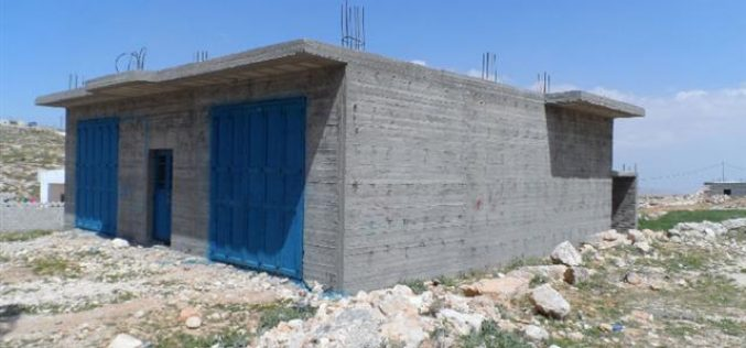 Serving stop work orders in Khalit Al Mayeh village – Yatta