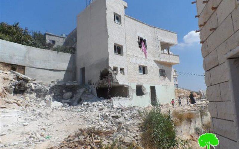 الاحتلال يهدم منزلاً في قبلان بلدة  أثناء ملاحقة شاباً تدعي انه مطلوب لديها
