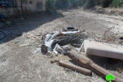 إخطارات بوقف البناء لبئر للمياه وغرفة زراعية في قرية تعنِّك / محافظة جنين