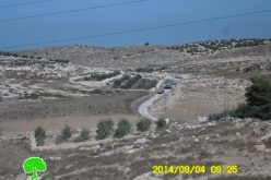 The occupation forces a closure on an agricultural road in Idna town