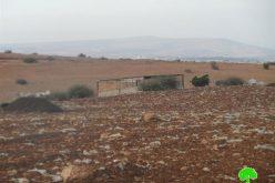 تسليم عائلتين من قرية بردلة إخطارات بوقف البناء لمنشآتهم الزراعية