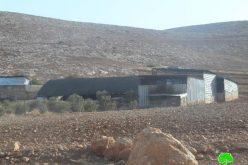 إخطارات بوقف البناء لبركسات زراعية في قرية بردلة / محافظة طوباس