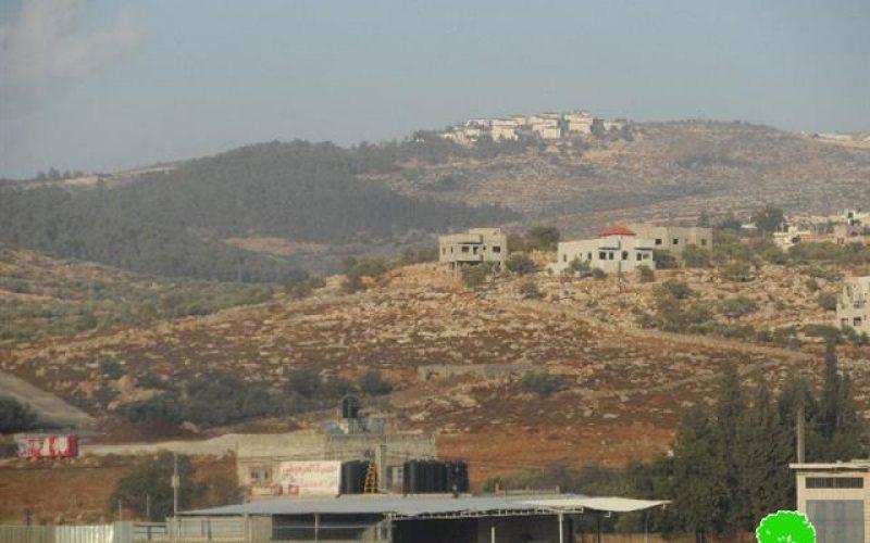 Colonist take over vast area from the village of Deir al-Hatab