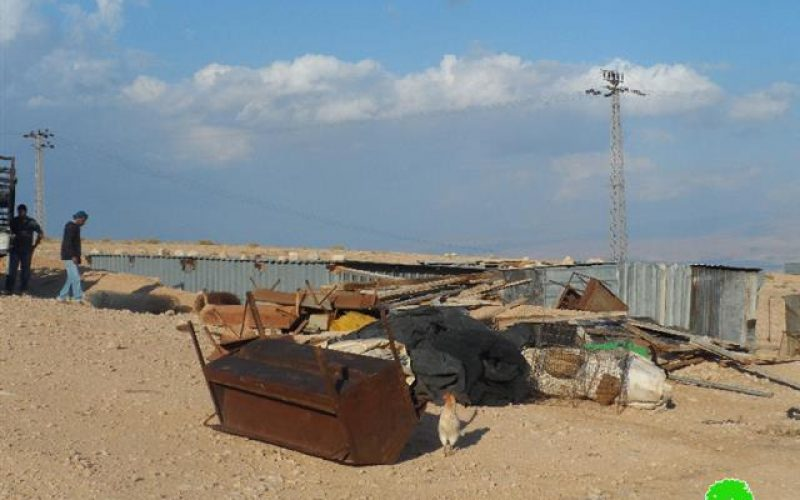 The occupation demolishes a residential room in  Jericho
