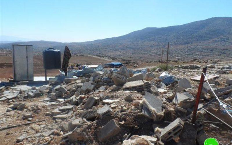 الاحتلال الإسرائيلي يهدم غرفة سكنية وبركس زراعي في قرية العقبة