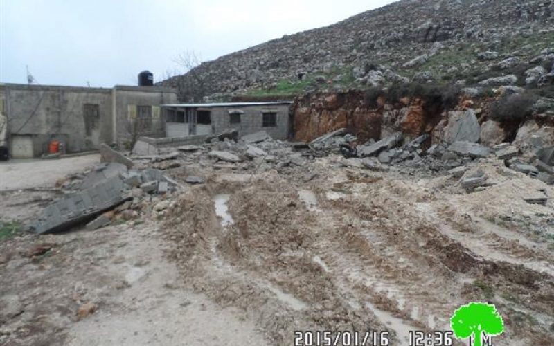 The Israeli occupation demolishes a agricultural barrack in Ramallah