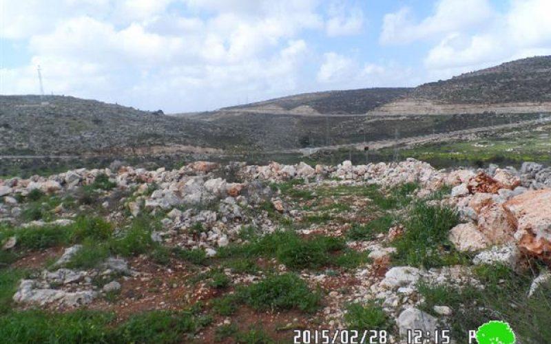 إخطار بهدم جدران استنادية في ارض زراعية في قرية بروقين