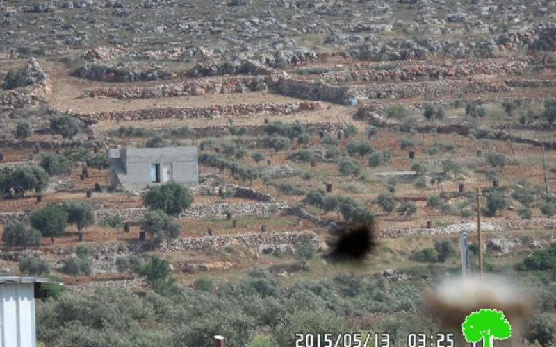 The Israeli occupation notifies structures with demolition in the Nablus village of Qusra