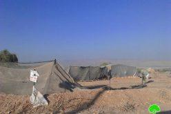 إخطار بهدم عدد من المساكن والبركسات الزراعية في قرية فصايل