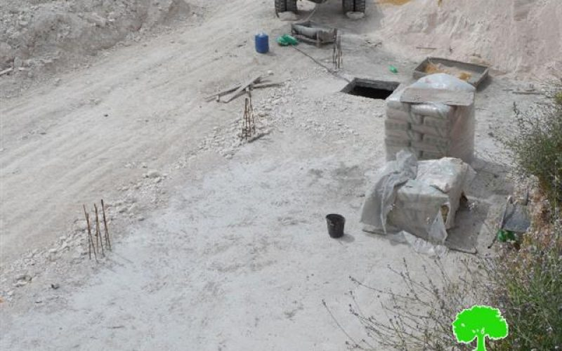 Stop-work and construction orders in the Hebron village of al-Kum