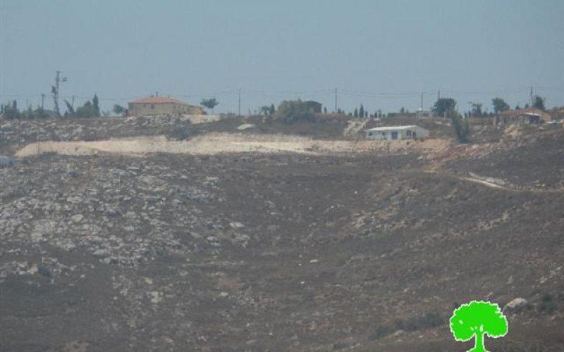 """مستعمرو """" جفعات رونين"""" يواصلون الاستيلاء على أجزاء من  أراض بلدة حوارة"""