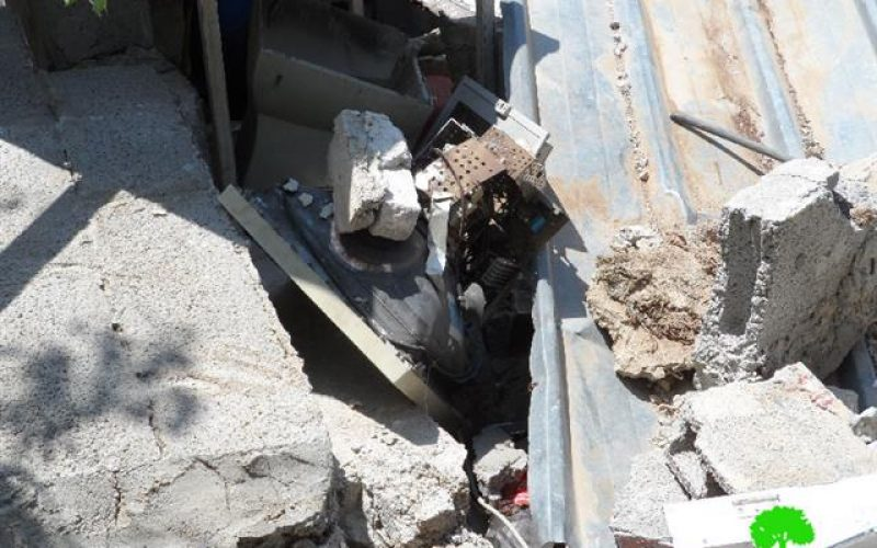The Israeli occupation demolishes a residence in the Hebron village of Halhul