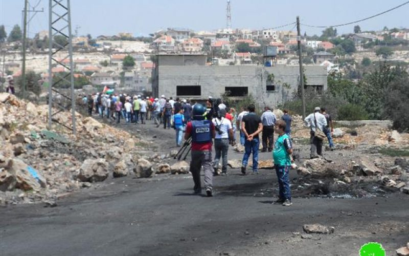 The Israeli occupation shuts down three agricultural roads in Kfar Qaddum
