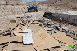 هدم مساكن ومنشآت للبدو في عدة تجمعات بدوية في الخان الأحمر والزعيم / محافظة القدس