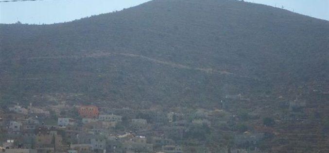 إخطار بمصادرة أراض وتمديد سريان الاستيلاء على أراض أخرى في بلد بيت فوريك