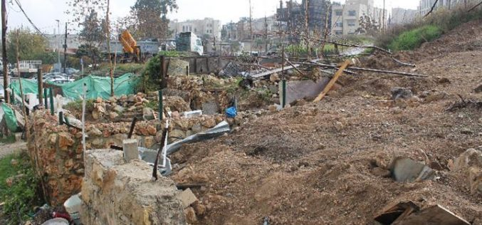 The Israeli occupation municipality in Jerusalem demolishes a residence in neighborhood of Al-Sheikh Jarrah and dumps earth onto it