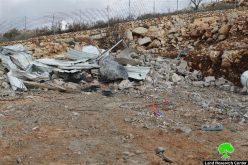 بلدية الاحتلال تجبر مواطناً على هدم حظيرة تأوي في بلدة سلوان بحجة عدم الترخيص