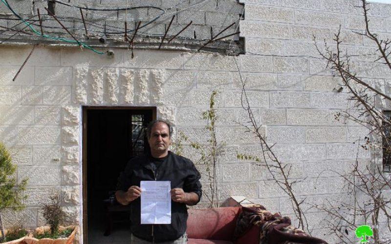 """بحجج ودوافع """" أمنية"""" رادعة، على حد تعبيرها <br> سلطات الاحتلال تصدر أوامر بهدم ومصادرة مساكن أربعة عائلات في قرية صورباهر جنوب مدينة القدس المحتلة، وتسحب حق الإقامة في المدينة من ثلاثة معتقلين"""