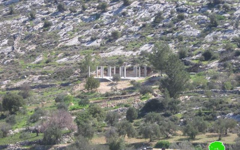 الاحتلال يهدم منزلاً في بلدة صوريف غرب الخليل