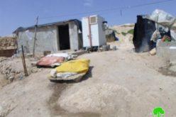 إخطارات بوقف العمل في منشآت سكنية وزراعية بخربة المركز شرق يطا