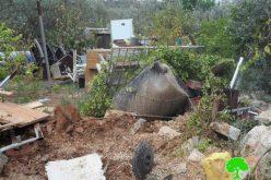 الاحتلال الإسرائيلي يهدم منتزه ويصادر خزانين للمياه في مدينة قلقيلية