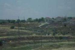 """الاحتلال يدمر 40 شجرة زيتون مثمرة أثناء شق طريق استعماري حول البؤرة الاستعمارية """"متسبيه يشاي"""" تابعة لمستعمرة """"كدوميم"""""""