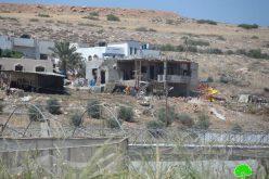 الاحتلال الاسرائيلي يخطر منزلين بوقف البناء في قرية كردلة