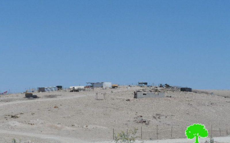 الاحتلال الإسرائيلي يصادر خيام سكنية وغرفة مخصصة لحضانة الأطفال فيالتجمع البدوي سطح البحر في محافظة أريحا