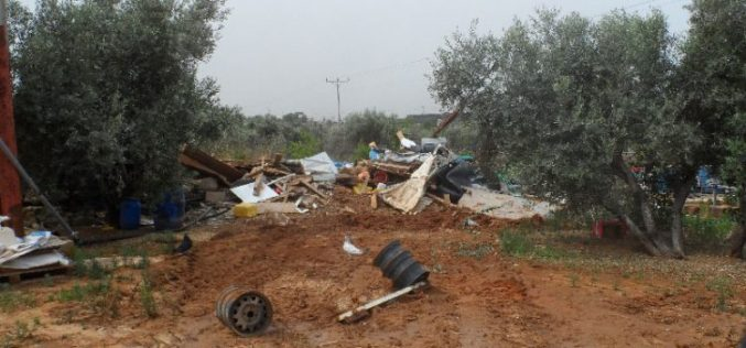 Israeli Occupation Forces demolish a park and confiscate two water tanks in Qalqiliya governorate