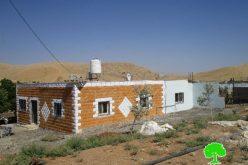 الاحتلال يخطر بوقف البناء لخمسة منازل في قرية فروش بيت دجن