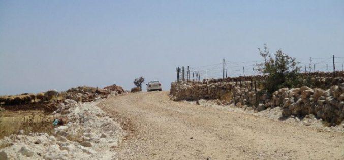 جيش الاحتلال الاسرائيلي يمنع شق طريق زراعي في بلدة عقربا بمحافظة نابلس