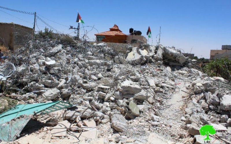 بذريعة أمنية,الاحتلال يهدم منزل في قرية بيت عمرة غرب مدينة يطا