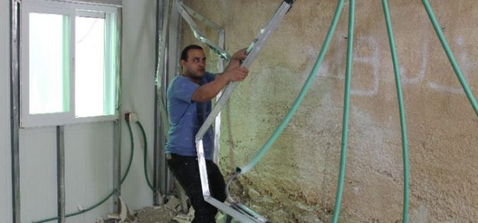 Israel Municipality orders a Jerusalemite to self-demolish his residence in the Silwan neighborhood of Al-Thawri