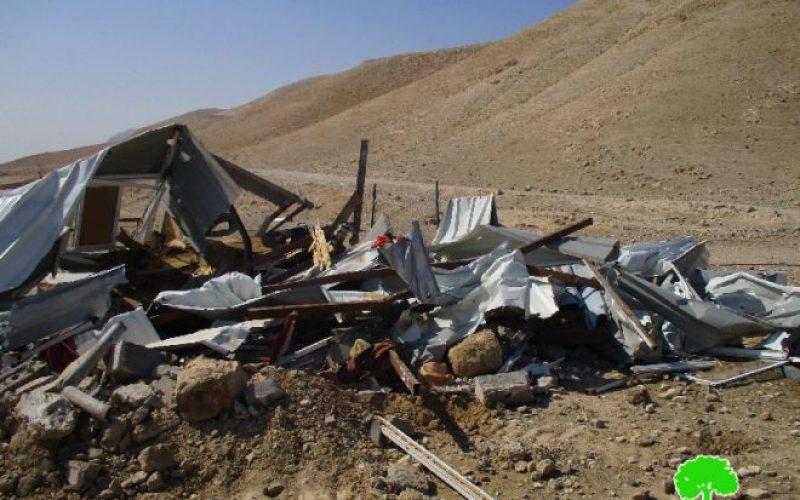 الاحتلال الإسرائيلي يهدم مساكن وبركسات زراعية غرب مدينة أريحا