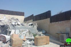 جرافات الاحتلال تهدم مسكناً بذريعة عدم الترخيص في قرية صور باهر جنوب مدينة القدس المحتلة