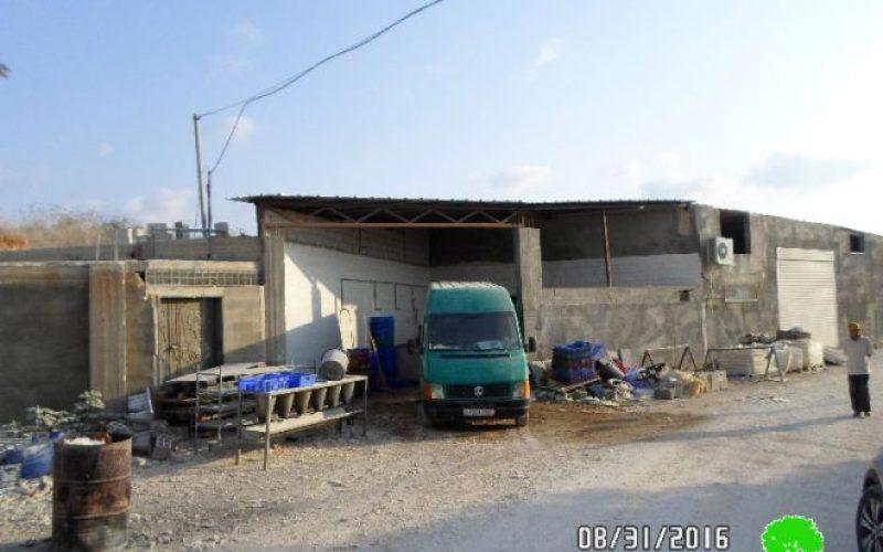 إخطارات عسكرية بوقف البناء لمنشآت زراعية في قرية النبي الياس / محافظة قلقيلية