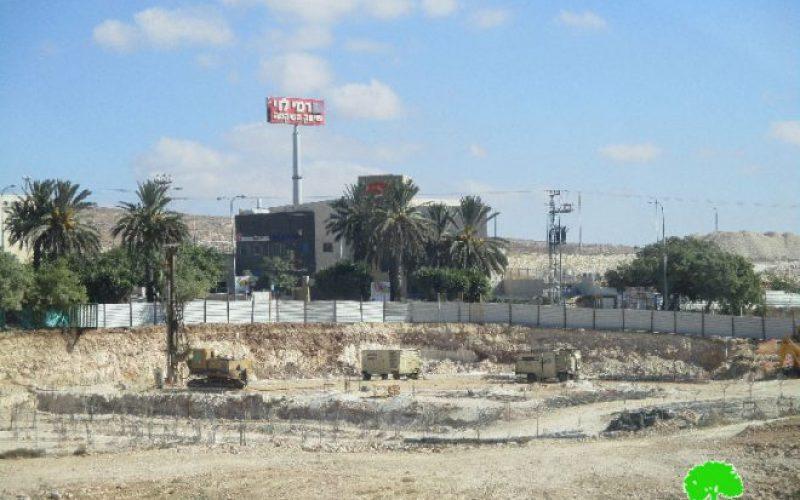 """الشروع في إنشاء مصانع جديدة في مستعمرة """" بنيامين"""" الصناعية على حساب أراضي قرية جبع"""