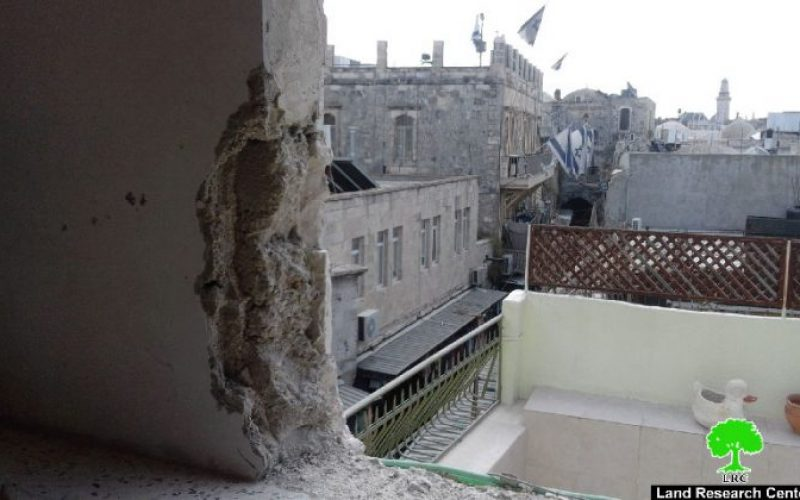 A Jerusalemite self-demolishes his house in the Old City of Jerusalem