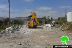 Israel municipality forces Beit Hanina man to self-demolish his residence in Jerusalem