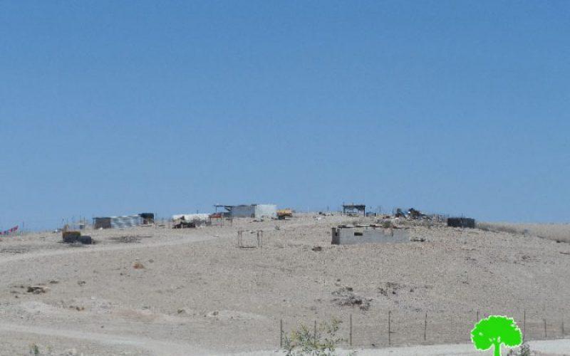 الاحتلال الاسرائيلي يصادر خزانات للمياه ودورات صحية في منطقة سطح البحر