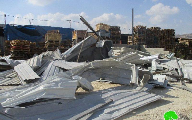 جيش الاحتلال الاسرائيلي يهدم أربعة محلات تجارية في بلدة بيتا بمحافظة نابلس