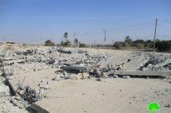 جيش الاحتلال يهدم مخازن تجارية في منطقة العوجا