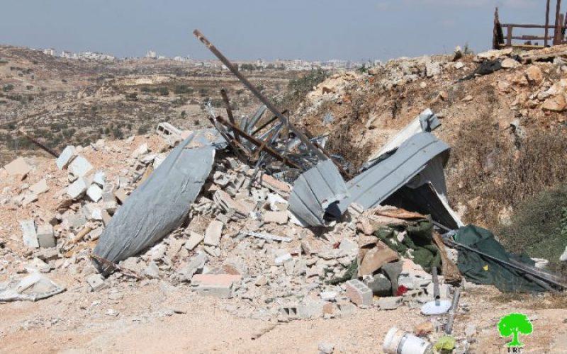 بلدية الاحتلال تهدم 3 مساكن في حي الأشقرية الكائن في بيت حنينا شمال مدينة القدس المحتلة بحجة عدم الترخيص