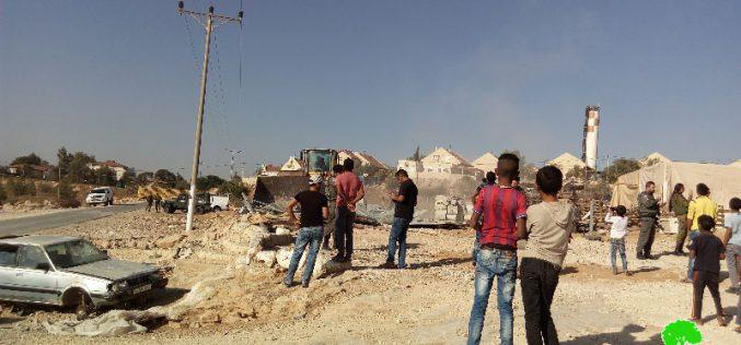 هدم مركز مجتمعي ومسكن في خربة أم الخير شرق يطا