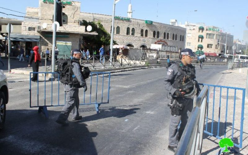 Israeli occupation authorities force Jerusalemites to shut down their shops in Salaadin and Al-Sultan Suliman streets